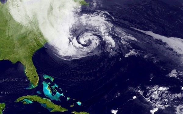 "Kad se majka priroda ""razbesni""! Hurricane-sandy_2381667b-600x374"